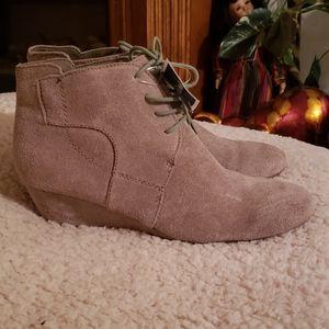 Boots nine West